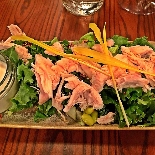 Small Field Green Salad With Pulled Bbq Chicken @ South Kitchen + Spirits
