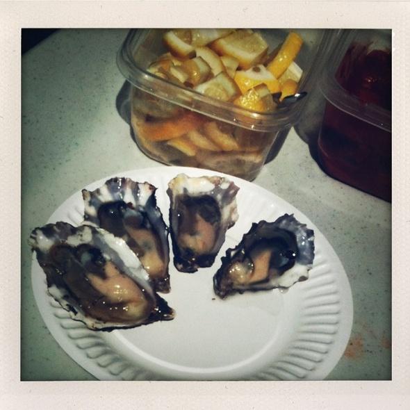 Oysters @ Hog Island Oyster Co.