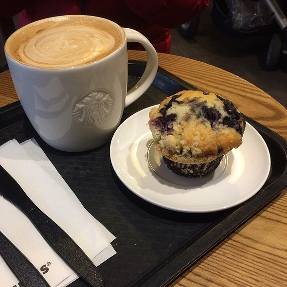Blueberry Muffin and Cappuccino @ Starbucks Gent