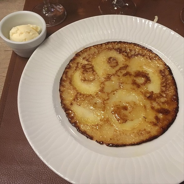 Apple Pancake With Ice Cream @ Les Papilles