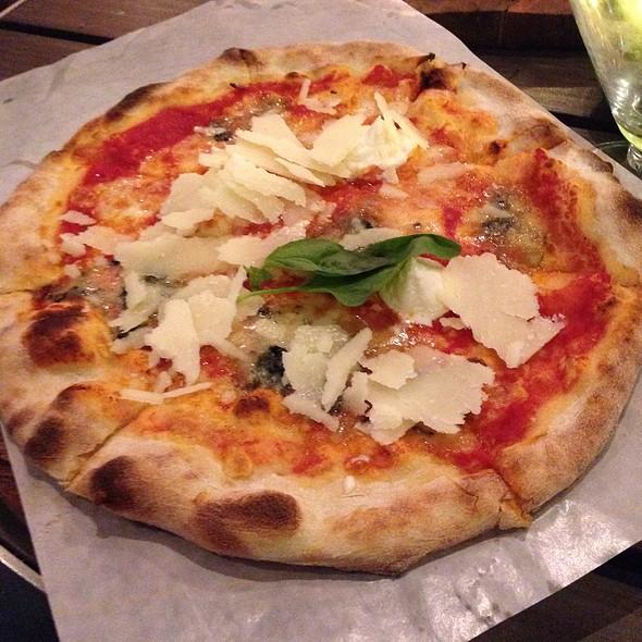 Pizza Quatro Formaggi @ Renato's@Foodhallen