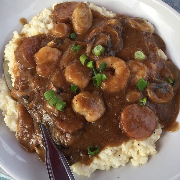 Shrimp and Grits @ Charleston Crab House