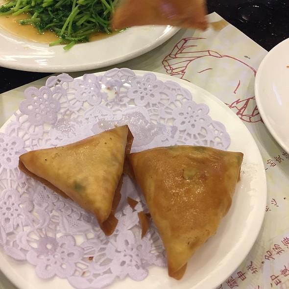 Fried dumplings @ 南翔馒头店 | Nanxiang Steamed Bun Restaurant