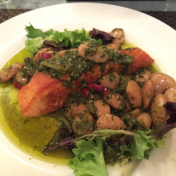 Seared Salmon @ Brasserie La Vie