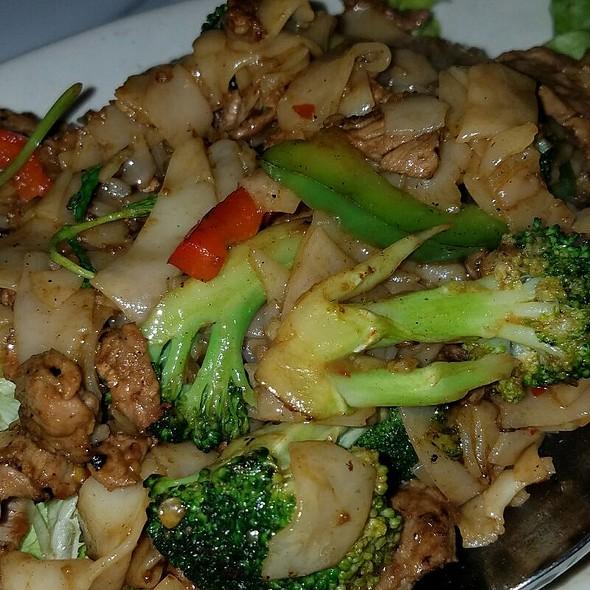 Drunken Noodles @ Thai Original BBQ
