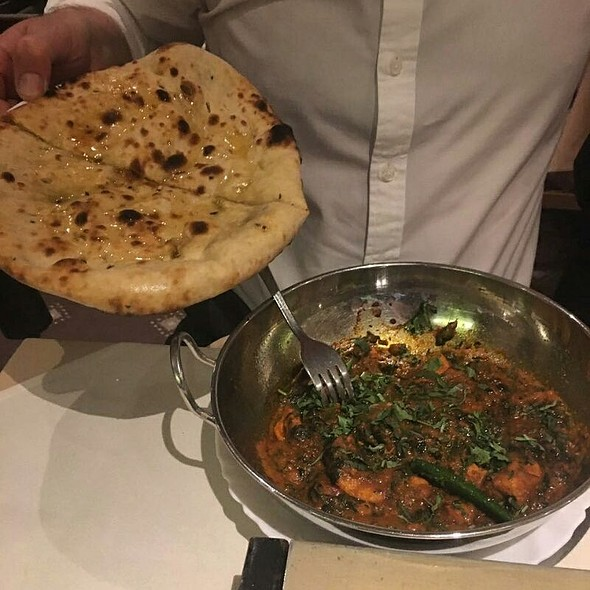 Lamb Curry with Garlic Naan