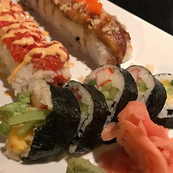 Futomaki, Eel And Spicy Tuna