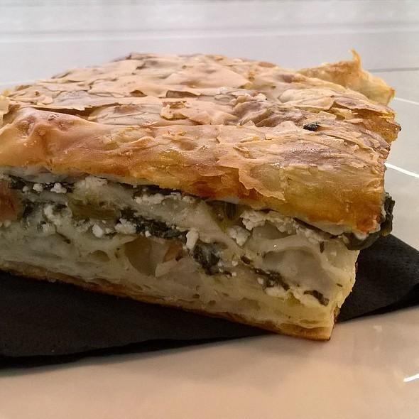Spinach And Feta Pie @ Filomania