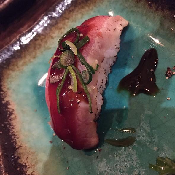 Peppertuna Nigiri @ Berger Streetfood - Fusion Sushi