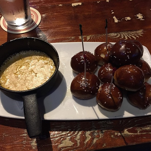 Beer Cheese And Pretzel Balls