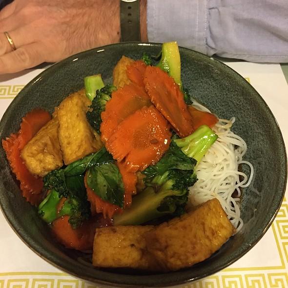 House Vegetarian Tofu @ Tour Eiffel French Bakery