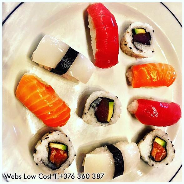 Sushi @ RESTAURANT CAN BENET