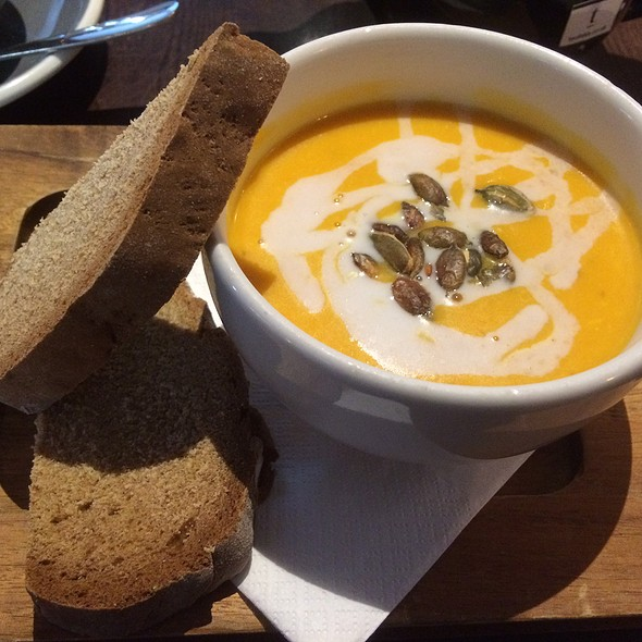Roasted Pumpkin, Coconut And Chilli Soup @ The Mitre