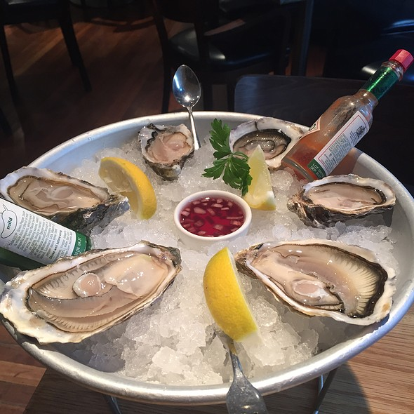 Oysters @ FishWorks