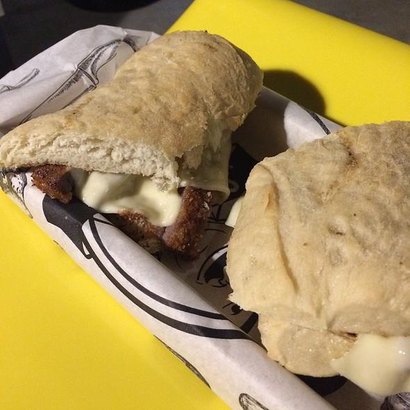 Sanduiche De Pão Ciabatta Com Filet A Milanesa @ Seu Vidal