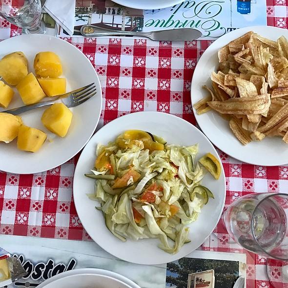 Lunch @ Enriques, Cuba