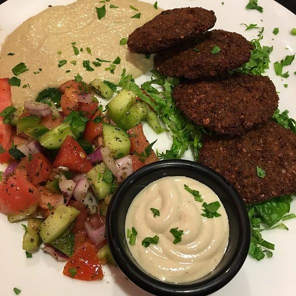 Falafel Dinner Plate