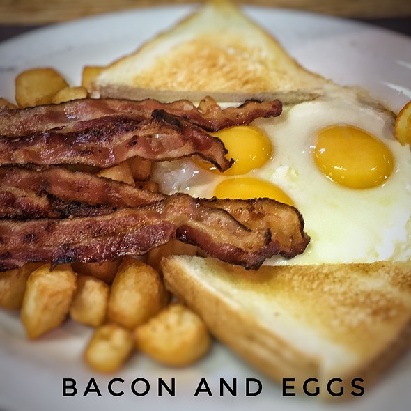 Bacon And Egg @ Fifty's Diner