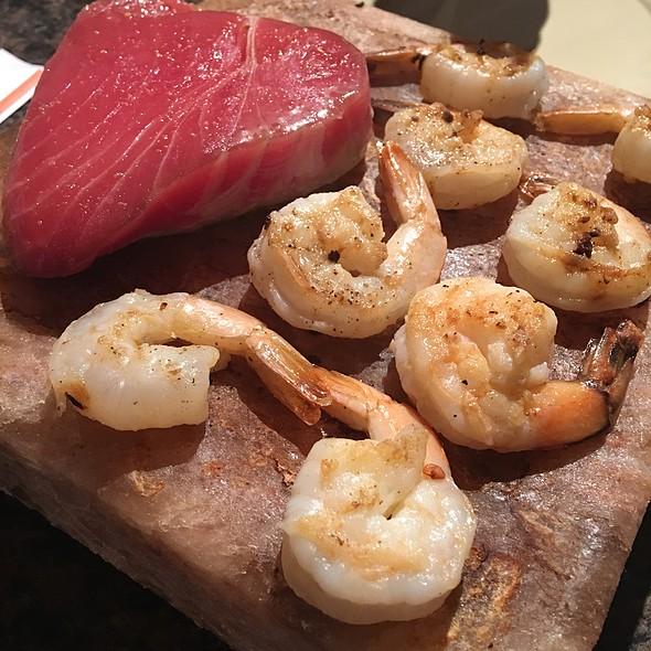 Shrimp And Tuna Cookin'