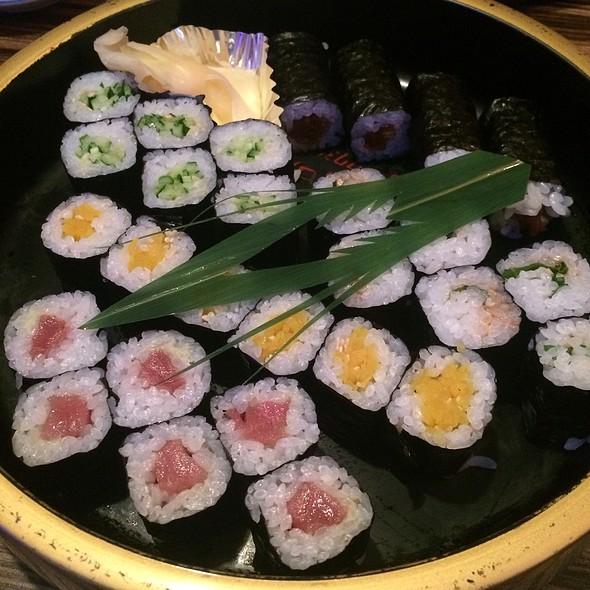 Sushi @ Headrock Cafe