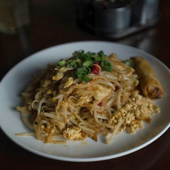Chicken Pad Thai @ Lily Thai Cuisine