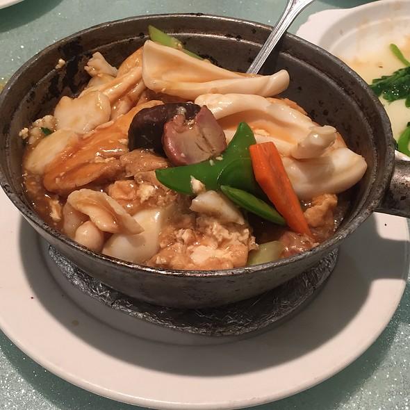 Assorted Seafood Hot Pot