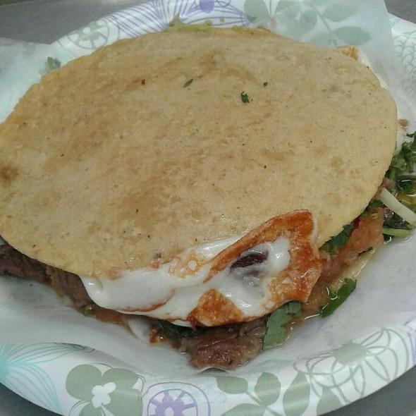 Mulas @ Tacos El Gordo