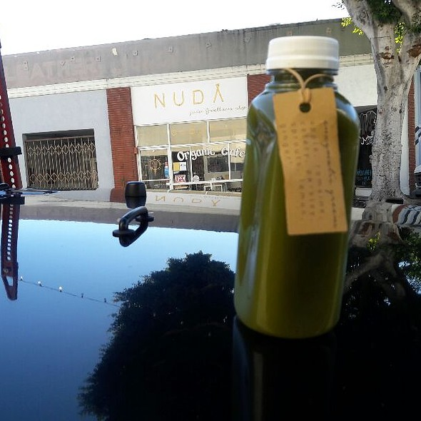 Enzymatic Greens Juice Apple, Romaine, Celery,  Parsley, Sprouts, Lemon And Ginger @ NUDA San Pedro