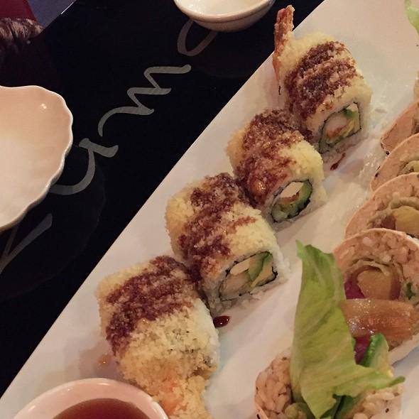 Crunchy Roll @ Azuma Sushi & Teppan