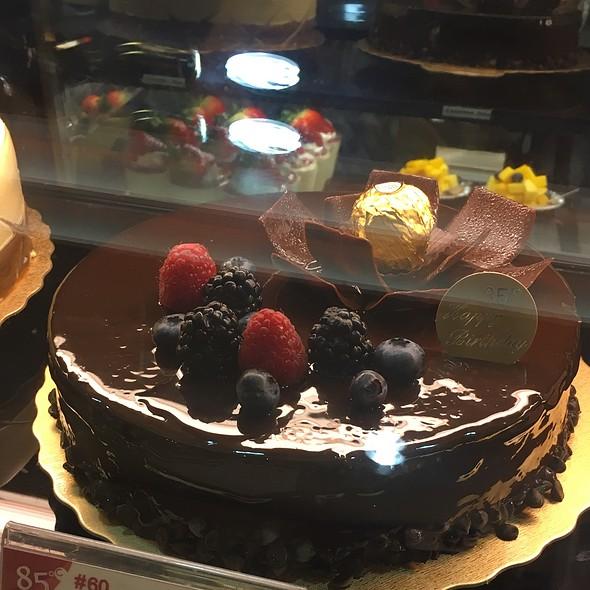 Raspberry & Chocolate Mousse Cake @ 85 °C Bakery Cafe
