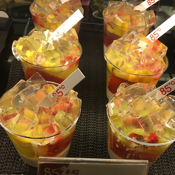 Fruit Jelly Cup @ 85 °C Bakery Cafe