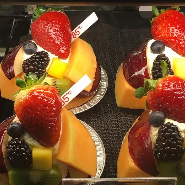 French Fruit Tart @ 85 °C Bakery Cafe