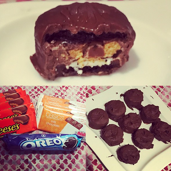 Oreo And Reese's Chocolate Sandwich