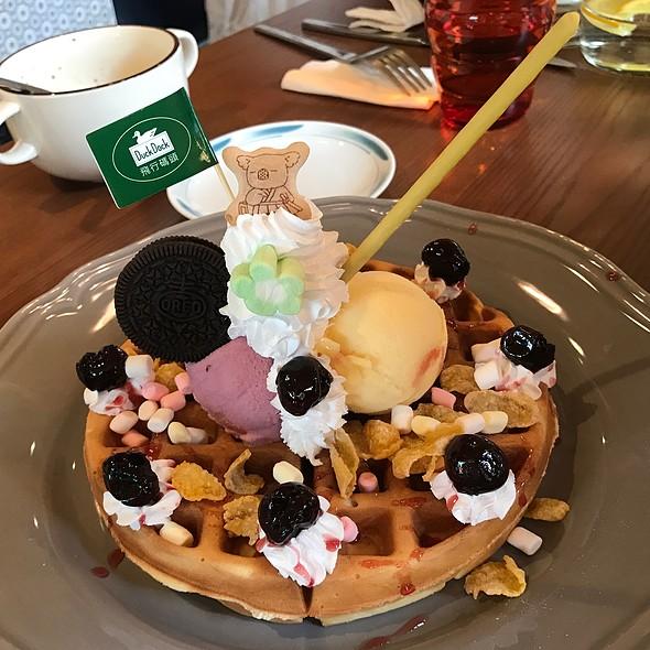野生櫻桃鬆餅 @ 飛行碼頭咖啡