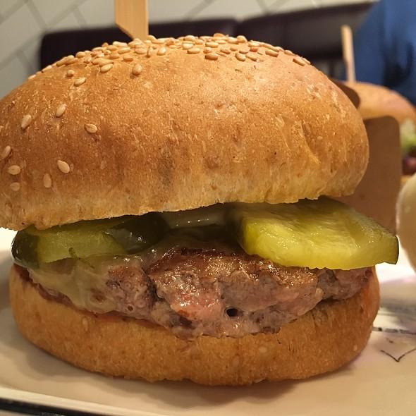 Burger @ Burger Fuel