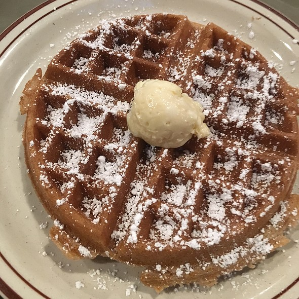 Waffle @ Beola's Southern Cuisine