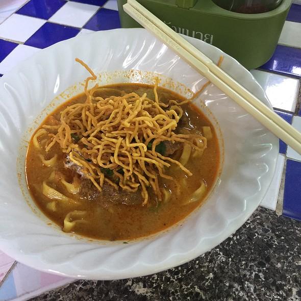 Khao Soi ข้าวซอย @ Khao Soi Khun Yai
