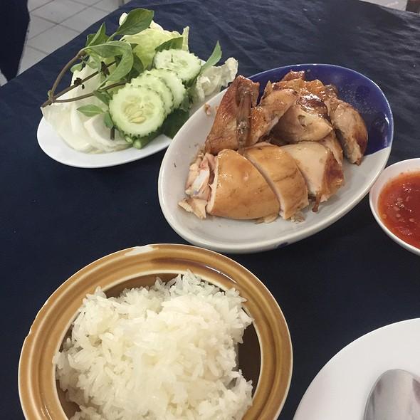 Gai Yang (BBQ Chicken) @ ไก่ย่าง เอสพี   SP Chicken