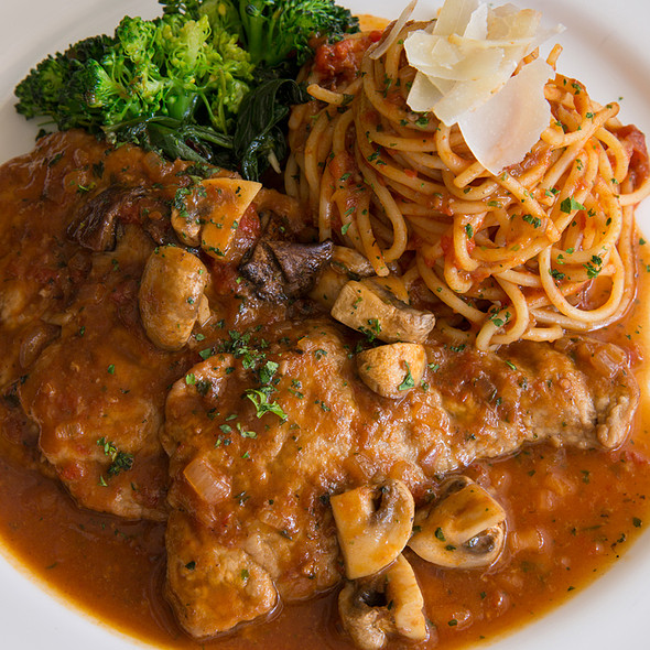 Classic Veal Marsala & Spaghetti @ Glenmorgan Bar & Grill
