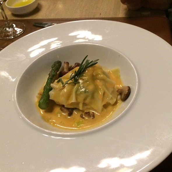 Raviolo With Scampi, Cod And Shrimps @ Restaurant Les Papilles Winery Uccle