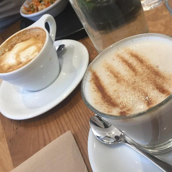 Latte @ Axil Cafe