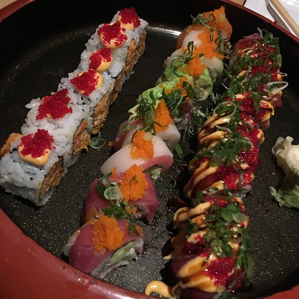 Spicy Scallop Roll, Rainbow Roll & Red Dragon Roll @ Nippon Tei