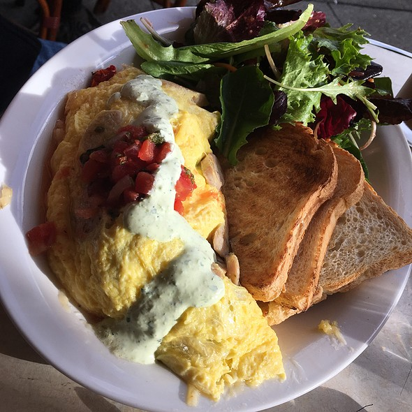 Norcal Omelette With Mixed Greens @ Squat & Gobble