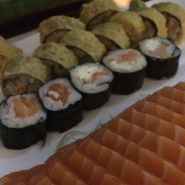 Combinado Sashimi E Outras Peças @ Aloha Sushi