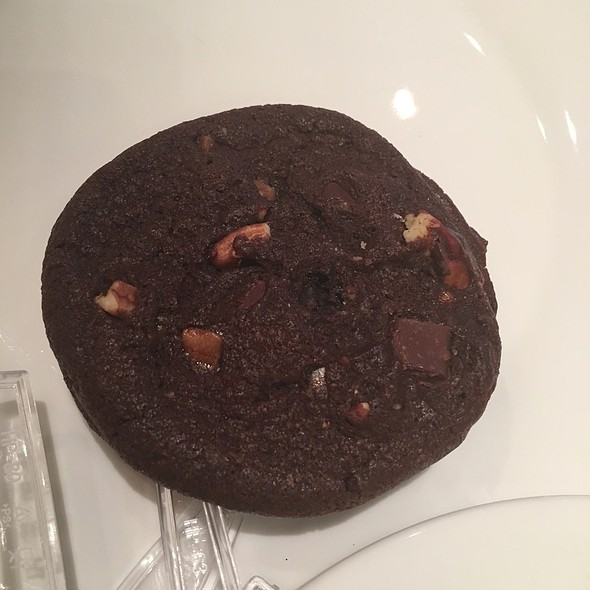 Hazelnut Praline Sandwich Cookie @ Starbucks