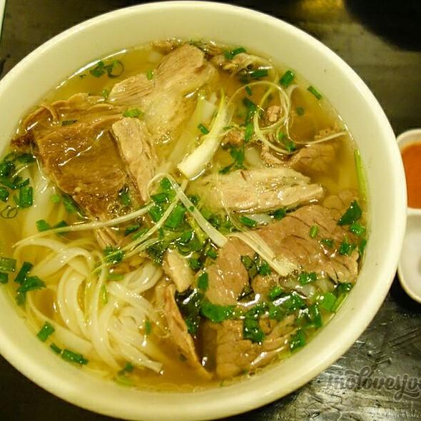 Phở Bò (Beef Pho) @ Quan An Ngon