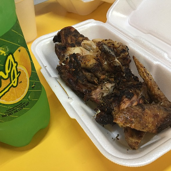 Jerk Chicken @ Portland Jerk Center