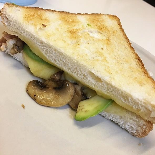 Cheddar, Mushroom, Avocado Cheese Toastie @ Drury Lane Cafe