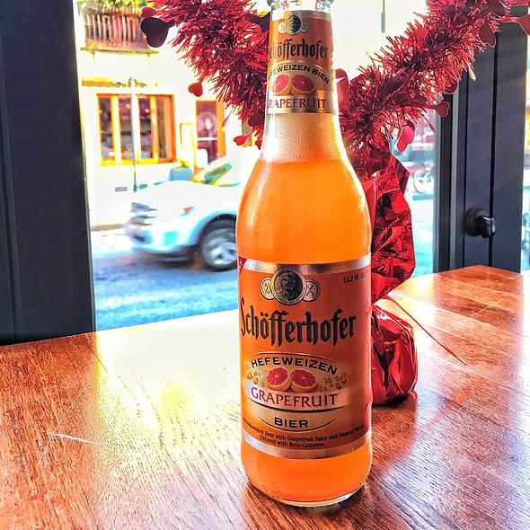 Shöfferhofer Grapefruit Beer @ The Bottle Shop
