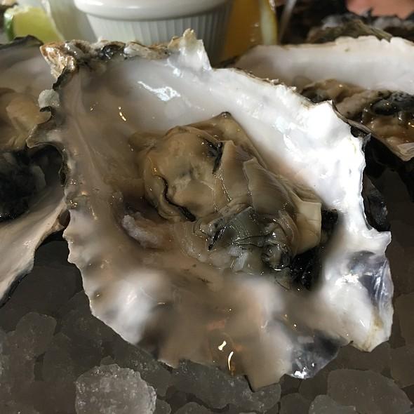 Oysters @ Desert Springs,A JW Marriott Resort & Spa,Palm Desert